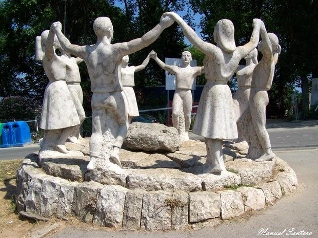 Barcellona, Monumento alla Sardana