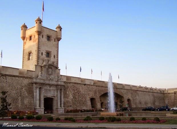 Cadice, Puerta de Tierra