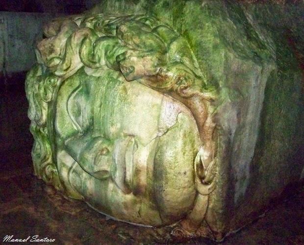 Istanbul, Cisterna Basilica, testa di gorgone