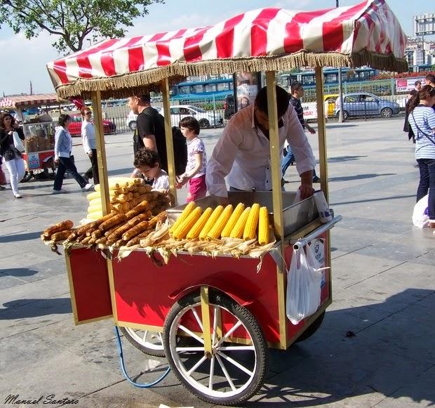 Istanbul, venditori di strada