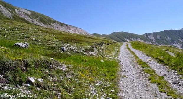Tratto iniziale del sentiero per monte Brancastello