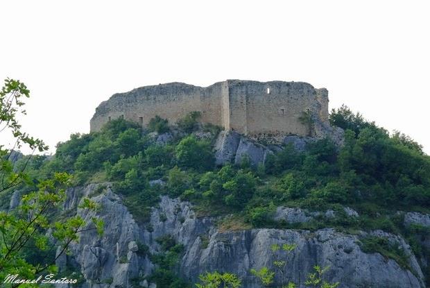 Serramonacesca, Castel Menardo