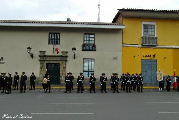 Cajamarca, Plaza de Armas. Parata militare