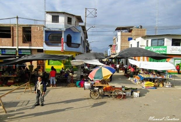 Mercato nell'abitato di Pacanguilla