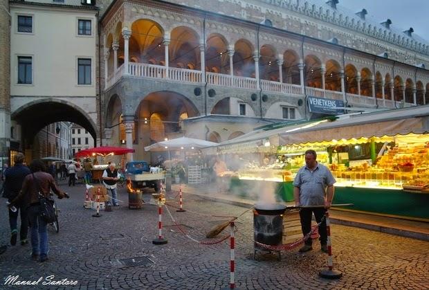 Padova, Piazza della Frutta