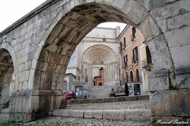 Sulmona, acquedotto medievale