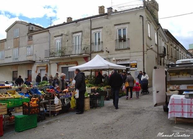 Guardiagrele, mercato in largo Nicola da Guardiagrele