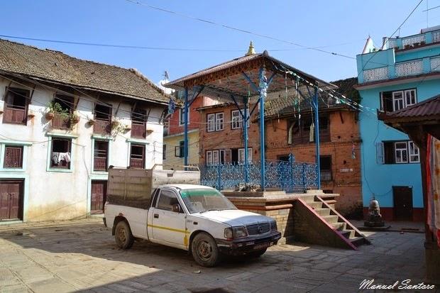 Chobar, piazza principale