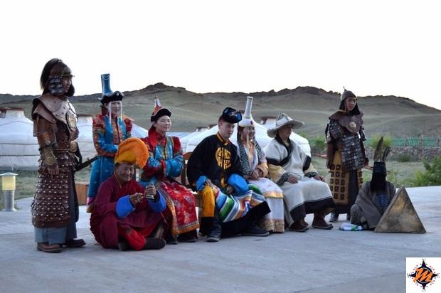 Spettacolo tradizionale al Secret of Ongii Ger Camp