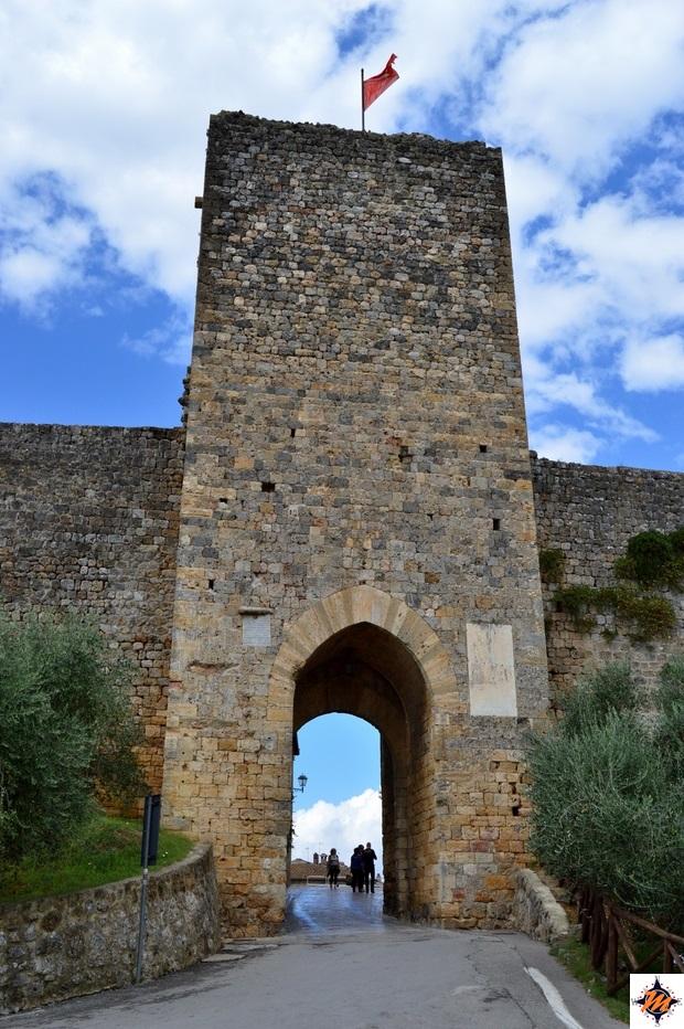 Monteriggioni, Porta Romea