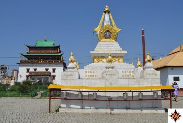 Ulan Bator, monastero di Gandan. Migjid Janraisig Sum