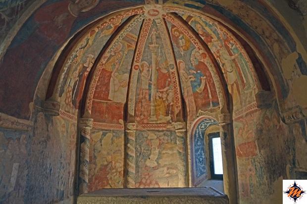 Offida, chiesa di Santa Maria della Rocca. Cripta