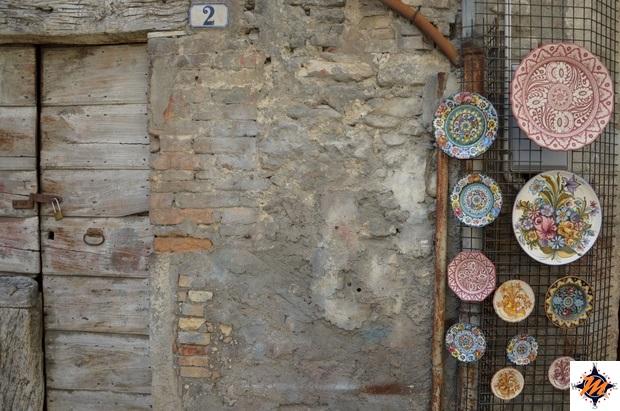 Castelli, tra le botteghe del centro storico