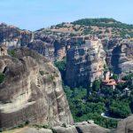 Un trekking ad anello tra i monasteri delle Meteore in Grecia
