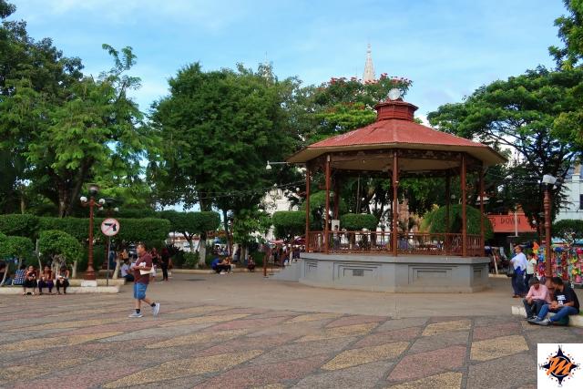 El Salvador. Santa Ana, Parque Libertad