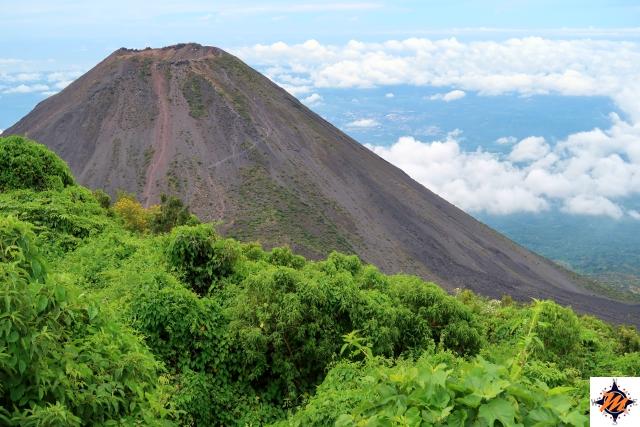 Vulcano Izalco. La vista da Cerro Verde