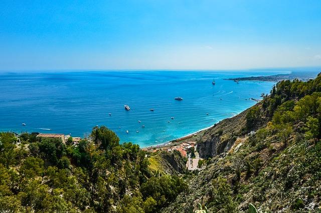 on-the-road-in-sicilia